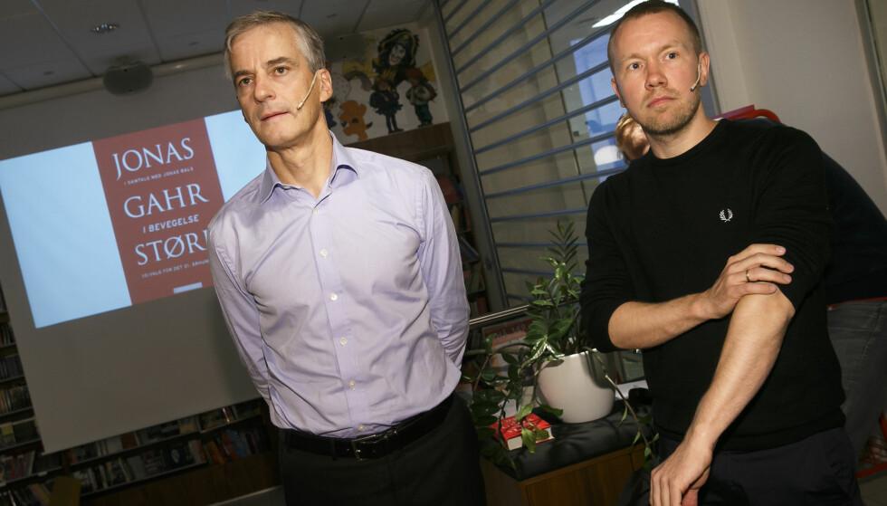 IKKE ENIGE: LO-rådgiver Jonas Bals (t.v.) jobbet tidligere sammen med Ap-leder Jonas Gahr Støre. Nå er han dypt uenig i hvordan Ap-lederen håndterer Acer-saken. Foto: Heiko Junge / NTB scanpix