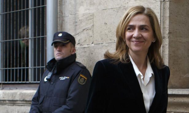 BLE TILTALT: Prinsesse Cristina (52) ble i 2014 dratt inn i ektemannens korrupsjonssak. Her er hun avbildet utenfor rettssalen. Foto. NTB Scanpix