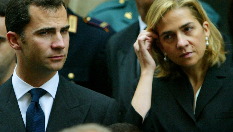 SØSKEN: Kong Felipe og søsteren, prinsesse Cristina, avbildet sammen i 2002. Foto: NTB Scanpix