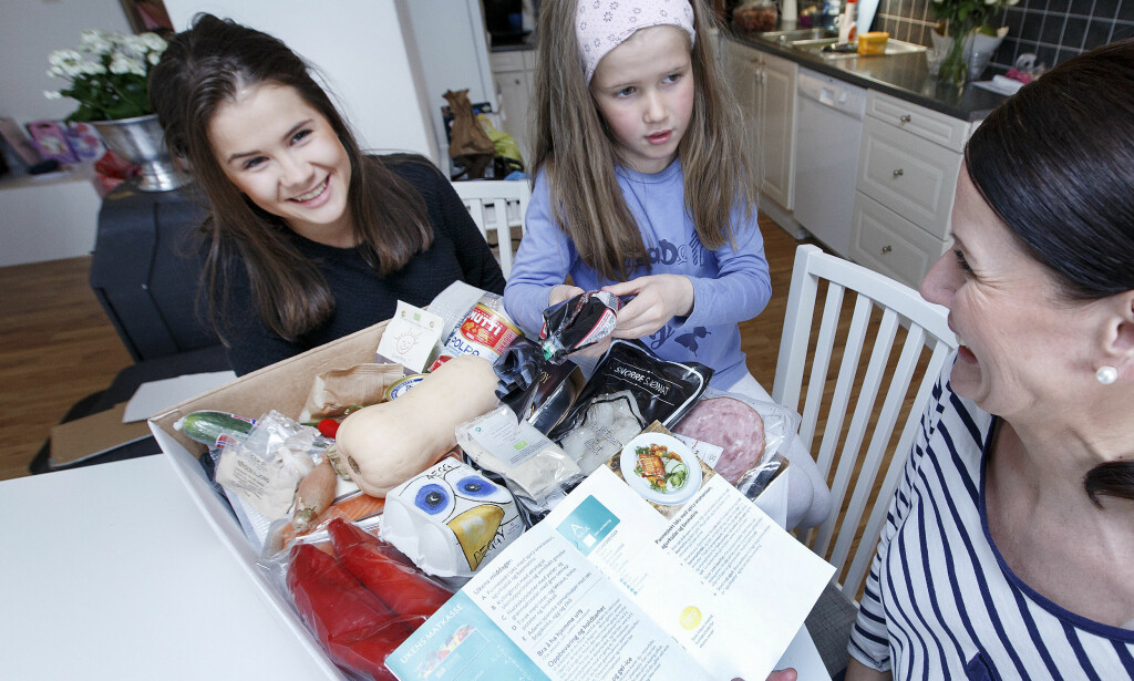 UKEMENY PÅ DØRA: Det er mange som vil levere middag hjem til deg. I høst blir det enda mer fleksibelt. Illutrasjonsfoto: Gorm Kallestad / NTB scanpix