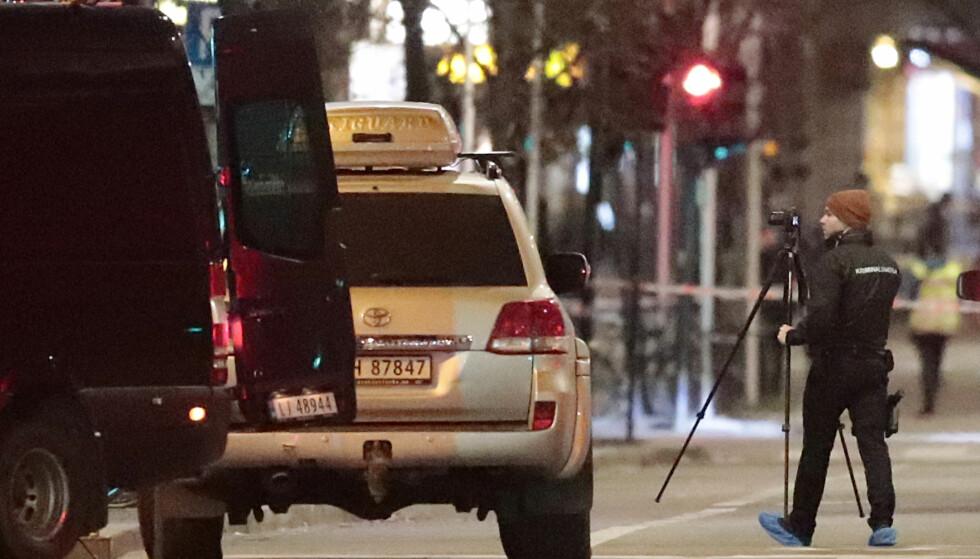 AVVERGET ANGREP: Sikkerhetspolitiet har avverget det de mener var planlagte terrorangrep mot Norge, opplyser PST. Her har politiet sperret av et område på Grønland i Oslo og pågrepet en mann etter funn av en bombelignende gjenstand i april i år. Foto: Lise Åserud / NTB scanpix