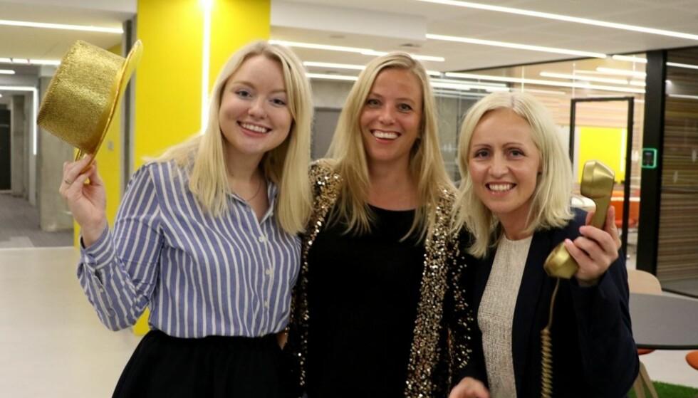 NY REKORD: Nina Rundsveen, Anne Siri Nørstebø og Ingrid Roterud Mathisen i Norsk Tipping gleder seg over kveldens rekord. Foto: Ingunn Børresen / Norsk tipping