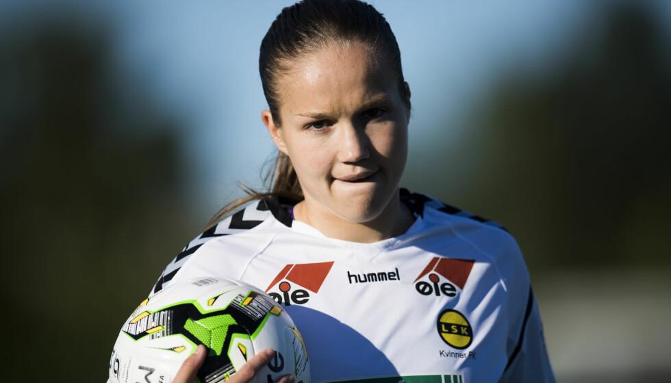 TOPPSPILLER: LSK bekrefter at Guro Reiten forlenger kontrakten med klubben. Her er Reiten under toppseriekampen mellom Stabæk og LSK Kvinner på Nadderud stadion. Foto: Jon Olav Nesvold / NTB scanpix