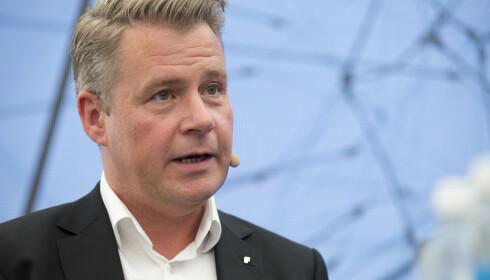 KREVER AVKLARING: Justisminister Per-Willy Amundsen mener Ap må klargjøre hvor de står spørsmålet om beredskapssenter. Foto: Torstein Bøe / NTB scanpix