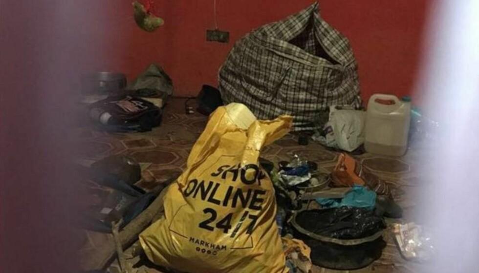 KANNIBAL: Politi i Sør-Afrika fant flere kroppsdeler fra menneske i hjemmet til en mann som selv meldte seg til politiet for han var lei av å spise menneskekjøtt. Foto: Politiet