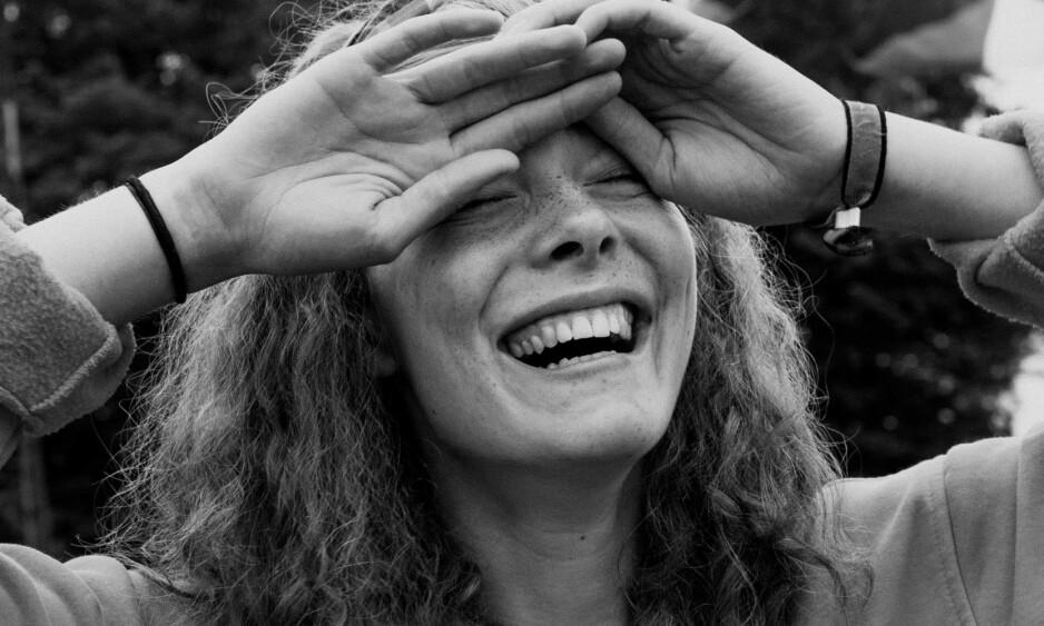 KYSSET: - I mine øyne så ser man i det andre portrettet hva slags utstråling som gjør en person virkelig attraktiv, sier fotograf Johanna Siring til Dagbladet om fotoprosjektet der hun kysset fremmede under Roskildefestivalen i år.