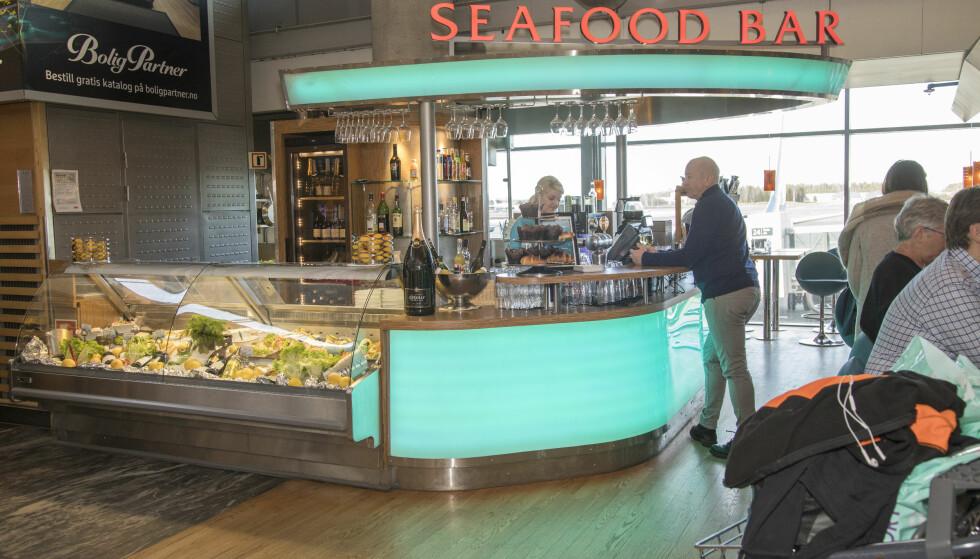 <strong>SEAFOOD BAR:</strong> Sushi, fiskesuppe og reker i trengsel. En av Gardermoens gamle travere, som får en avløser om ikke altfor lenge.