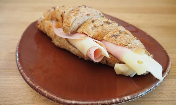 <strong>NY VRI:</strong> Glem baguetten, og gå for en grov croissant med ost og skinke på Humle &amp; Malt.
