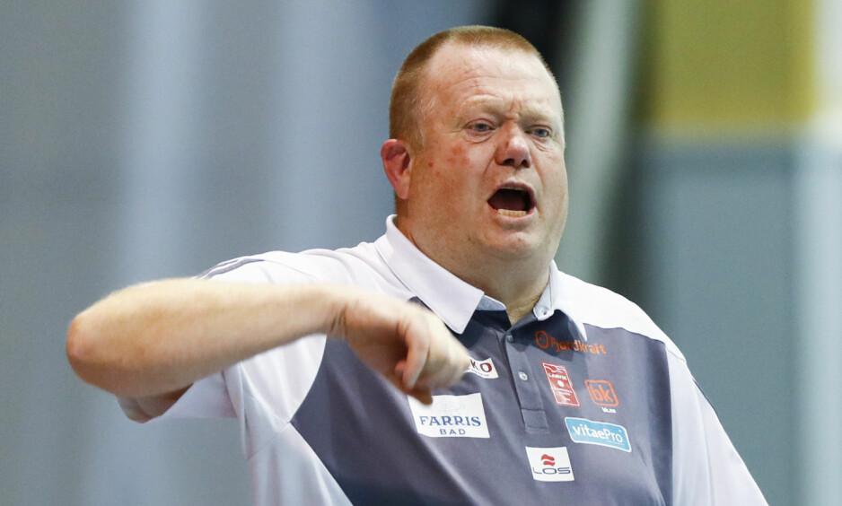 SLET I FORSVAR: - Det var i det defensive spillet vi ikke klarte å stå nok imot i dag, sa trener Tor Oddvar Moen etter kampen. Terje Pedersen / NTB scanpix