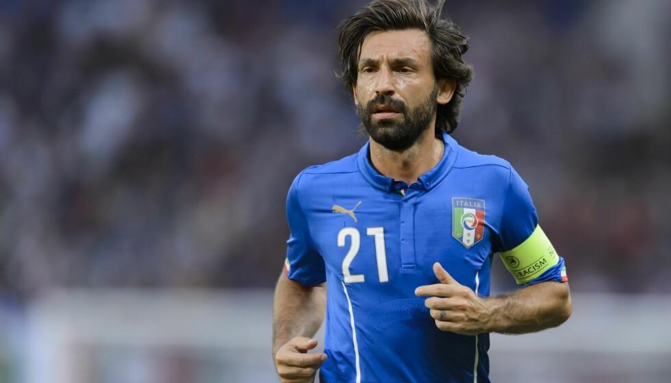 <strong>ITALIA-HELT:</strong> Andrea Pirlo la opp på landslaget i 2015. Foto: AFP PHOTO / FABRICE COFFRINI / NTB Scanpix
