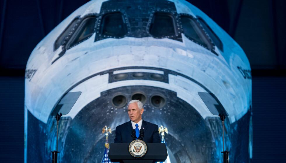 TIL MÅNEN: - Vi vil sende NASA-astronauter til Månen igjen, sa den amerikanske visepresidenten Mike Pence forrige uke. Foto: NASA / Joel Kowsky