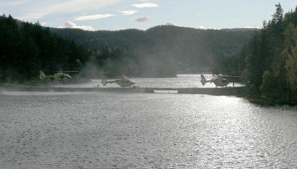LEGEHELIKOPTRE: Flere legehelikoptre er rekvirert til redningsaksjonen. Foto: Gjermund Midtbø / Vest-Telemark Blad / NTB Scanpix