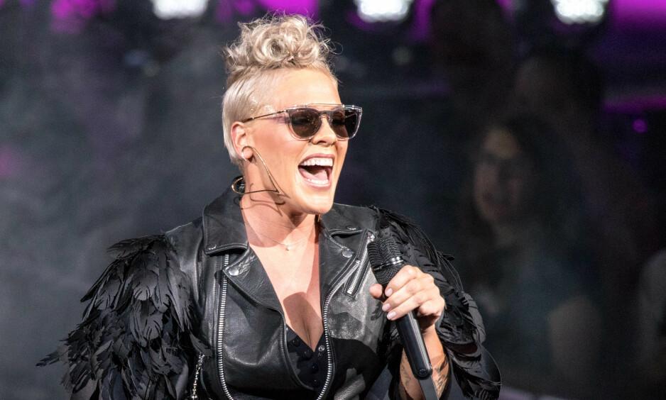 ÅPEN: Artisten Pink har solgt ut arenaer over hele verden og toppet listene i mange land. På tross av å være en av verdens største artister, er hun overraskende jordnær og åpen om privatlivet sitt. Foto: NTB scanpix