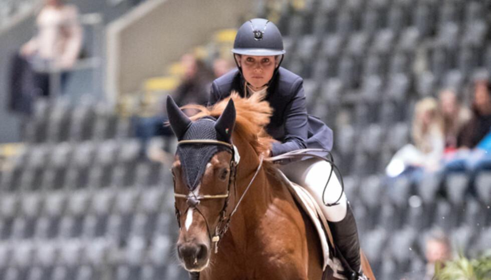 BRUDD: Slik så prinsessen ut på hesteryggen fredag ettermiddag. Nå bekreftes det at hun har brukket en ben i foten. Foto: Andreas Fadum