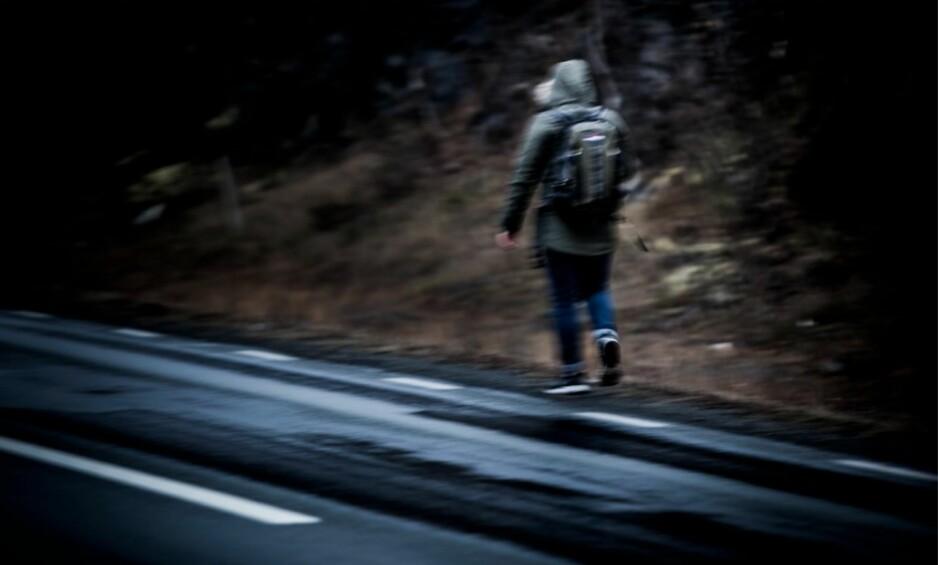 PÅ VEI BORT: «Armin» har flyktet fra Norge. I Sverige tar han beina fatt for å komme seg til Spania - et land som ikke vil sende ham tilbake til Afghanistan. Foto: Christian Roth Christensen