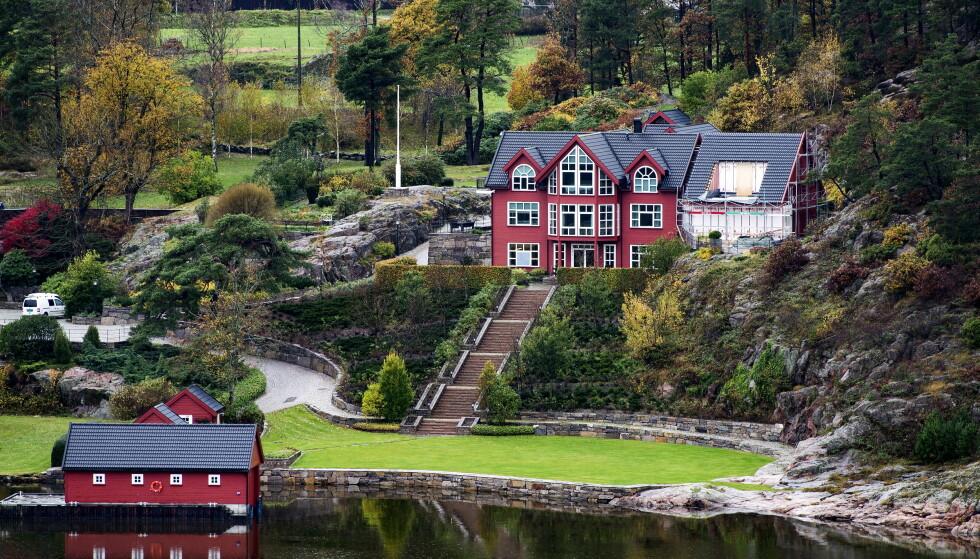 MILLIARDÆRENS HUS: Like ved skjærgården i Grimstad bor milliardær Einar Aas. Han er kjent for å være dyktig innen kraftmarkedet. Foto: John T.Pedersen / Dagbladet