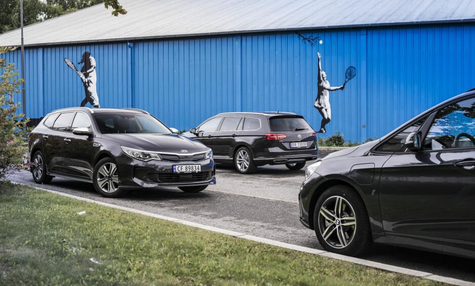 ELEKTRISK DUELL: Kia Optima Phev, Volkswagen Passat GTE og BMW 225 XE Active Tourer er testet mot hverandre av Autofils eksperter. Det ble en jevn duell, er to biler faktisk deler førsteplassen. Foto: Jamieson Pothecary