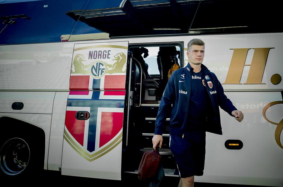 PÅ FRAMMARSJ: Alexander Sørloth har ti landskamper og ett mål for Norge. Han spiller til daglig i Midtjylland. Foto: Bjørn Langsem / Dagbladet