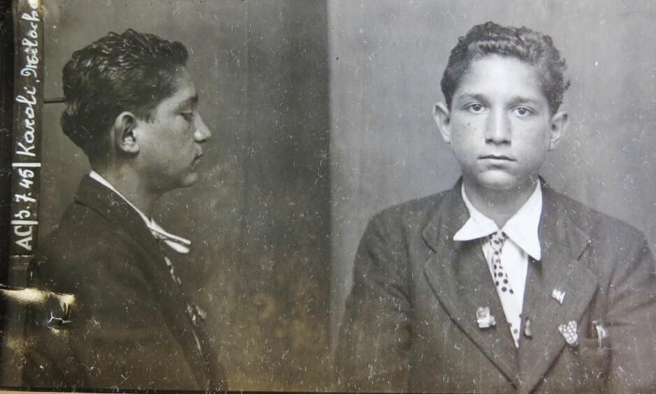 FOTOGRAFERT I BELGIA: En 16-årig Milos Karoli, fotografert av politiet i Brussel kort tid etter frigivelsen fra nazistenes utryddelsesleir. Foto: Archives générales du Royaume
