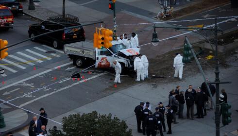 ETTERFORSKER: Politet etterforsker saken som et terrorangrep. Foto: Andrew Kelly/Reuters/Scanpix