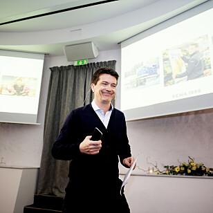 SMILER IGJEN: Ole Robert Reitan overtok ledelsen av Rema 1000 etter sin far, Odd Reitan, i 2001. Foto: NTB Scanpix