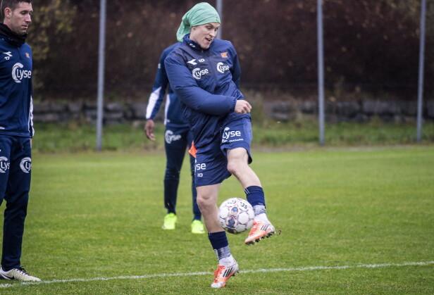 FULL GASS: Tommy Høiland og Viking trener for fullt, selv om det er ingenting å spille om. Høiland har 2,5 år igjen av kontrakten med klubben. Foto: Hans Arne Vedlog / Dagbladet