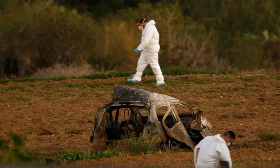 DREPT: Noen plantet ei bombe i bilen til journalist Daphne Caruana Galizia (53) fra Malta, kjent fra blant annet sin kritiske dekning av øystatens tilknytning til Panama Papers-skandalen. Foto: NTB Scanpix