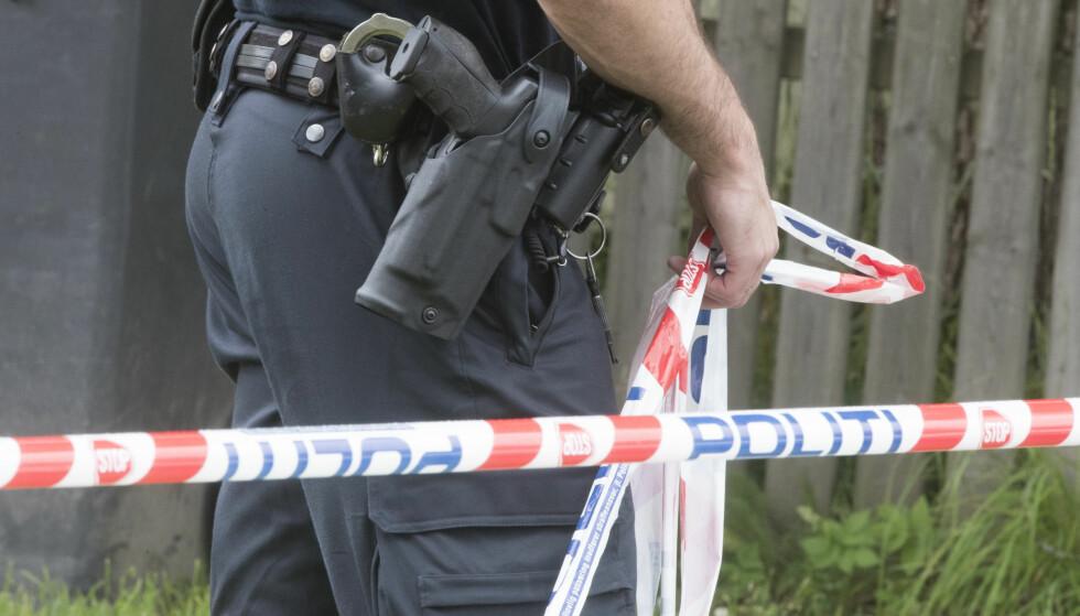 TRE AV TOLV ØNSKER VÅPEN: Tre av tolv politidistrikter ønsker å bevæpne seg. Foto: Terje Pedersen / NTB scanpix