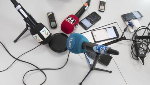 TVEDT PÅ TELEFON: Idrettspresident Tom Tvedt holdt telefonpressekonferanse om reiseregningene til Norges Idrettsforbund torsdag. Foto: Terje Pedersen / NTB Scanpix