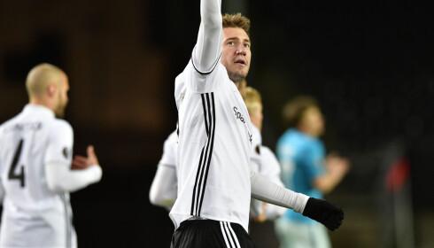JUBEL: Nicklas Bendtner jublet for 1-0-målet, men på overtid mistet han tittelen som matchvinner. Foto: Ole Martin Wold / NTB scanpix