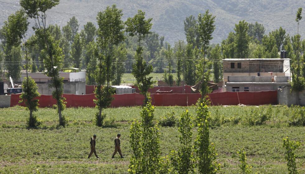 GJEMTE SEG I PAKISTAN: Osama bin Laden bodde i årevis i dette boligkomplekset i den pakistanske byen Abbottabad. Navy SEALs stormet til slutt komplekset og tok livet av al-Qaida-lederen og fire andre, blant dem en av sønnene hans. Foto: Faisal Mahmood / Reuters / NTB Scanpix