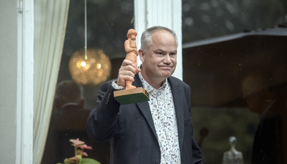ANERKJENT: Øyvind Rimbereid fikk Aschehougprisen under Aschehougs hagefest tidligere i høst. Foto: NTB Scanpix