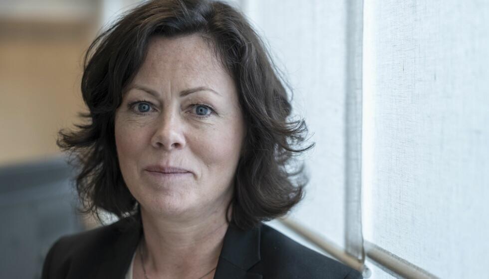 REAGERER: Barne- og likestillingsminister Solveig Horne på sitt kontor i departementsbygget i Akersgata. Foto: Øistein Norum Monsen / Dagbladet