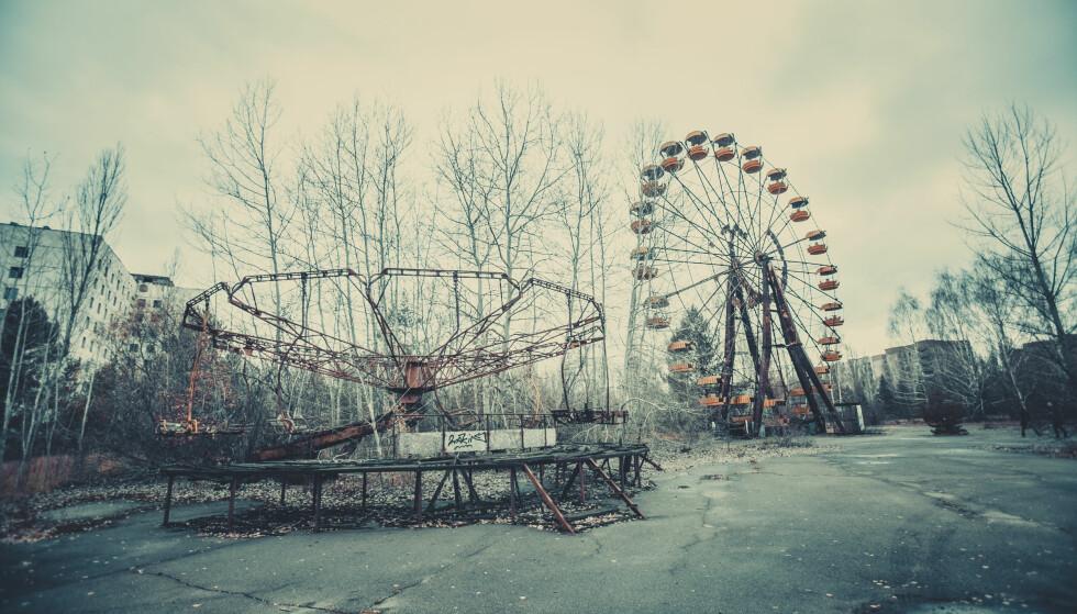 SPØKELSESBY: 31 år etter atomkatastrofen står Tsjernobyl nøyaktig som den ble forlatt den gang. Nå er det mulig å besøke stedet som forandret Europas atompolitikk en gang for alle. Foto: Shutterstock / NTB Scanpix