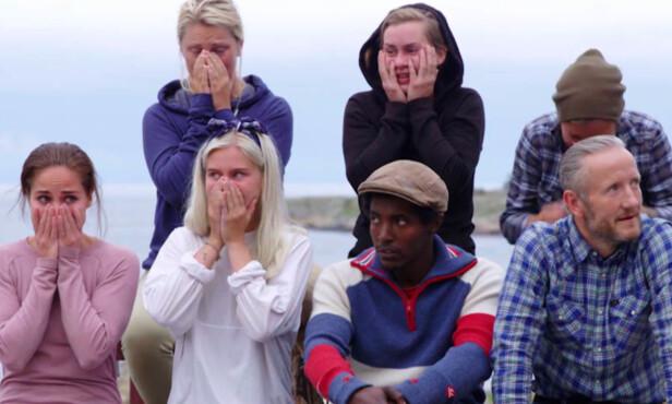 I SJOKK: De resterende deltakerne på gården reagerte i vantro da de så at Halvor Sveen stakk av med seieren i tvekampen, og dermed sikret seg nok en uke på gården. Foto: TV 2