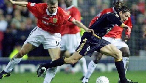 MINNEVERDIG: Fernando Redondo hadde en lignende finte som Martin Ødegaard mot Manchester United i år 2000. Foto: NTB Scanpix