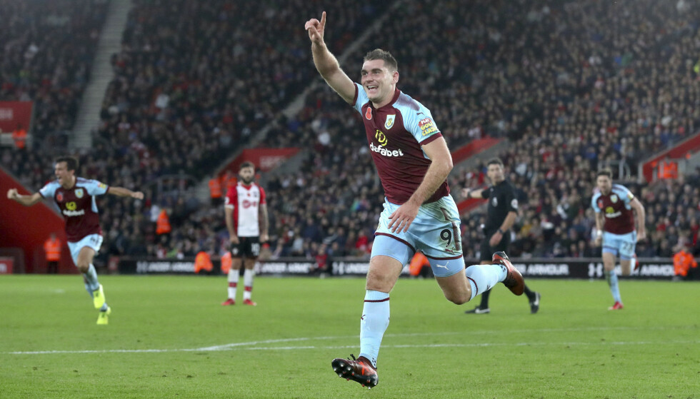 HELT: Sam Vokes kunne juble for scoring og tre Burnley-poeng i Southampton lørdag. Foto: Adam Davy/PA via AP/NTB scanpix