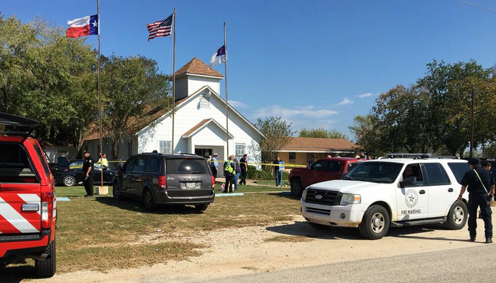 SKYTING: En rekke mennesker skal være drept og skadd etter skyting i en kirke i Texas. Foto: KSAT via AP