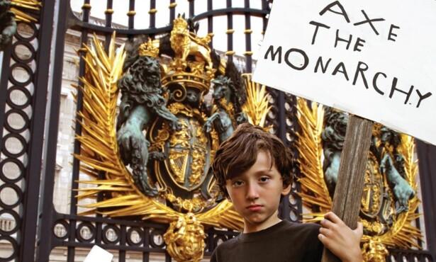 KONTROVERSIELL: Morrissey fikk mye reaksjoner på dette albumcoveret. Foto: BMG