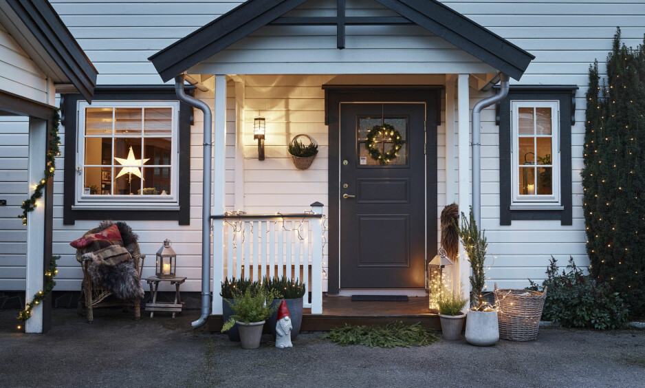 VARM VELKOMST: Start gjerne med å lyssette ditt hjem allerede ved inngangspartiet. Foto: Jernia