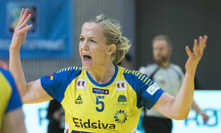 MISFORNØYD: Heidi Løke var misfornøyd med hvordan Storhamar framsto mot Vipers. Foto: Terje Pedersen / NTB scanpix