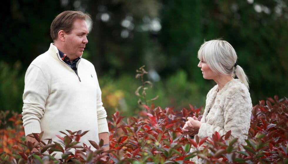HJELP: Tom Sinding får hjelp av både økonom Hallgeir Kvadsheim og florist Anne Mina Lillelien i kveldens episode. Foto: TV3