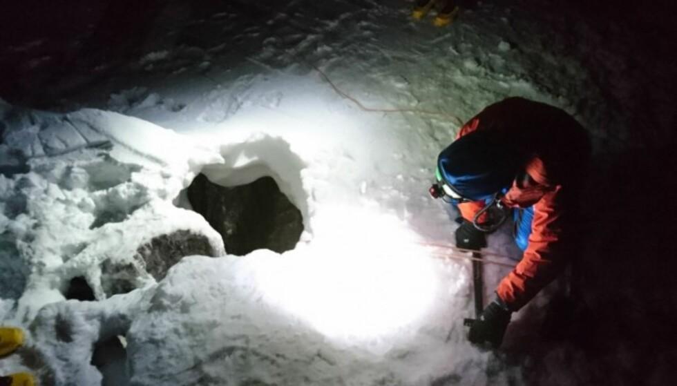 FUNNET: Den 45 år gamle tyskeren ble meldt savnet av faren etter en klatretur i Dachstein-fjellene sør for Salzburg lørdag. Han ble først funnet nesten fem døgn etter at han forsvant. Foto: Bergrettung Oberösterreich