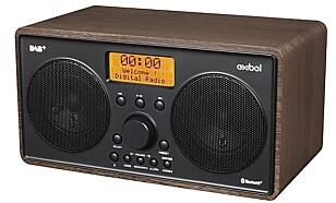 HERLIG RETRO: Den ser retro ut, men er helmoderne med DAB+ og Bluetooth-kobling.