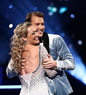 ROS: Grunde og Ewa fikk mye ros fra dommerne for sin wienervals. Duoen var første par ut og åpnet årets semifinale. Foto: TV 2