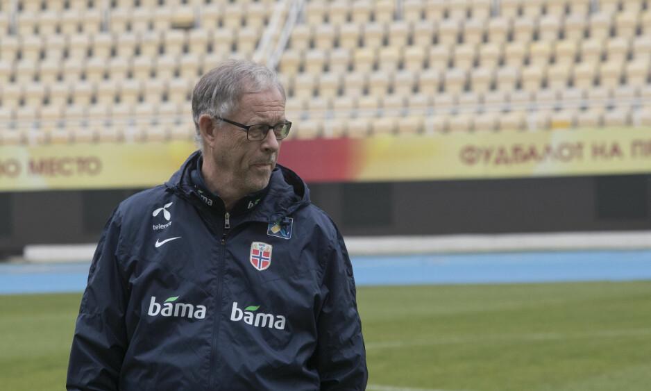 NEDTUR: Lars Lagerbäck og Norge skuffet mot Makedonia lørdag og tapte 0-2. Tirsdag venter Slovakia. Foto: Terje Bendiksby / NTB scanpix