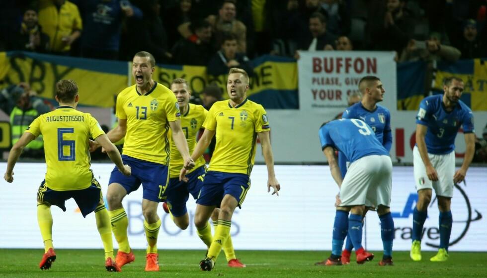 RETUR: Sverige leder 1-0 før returkampen mot Italia i kveld. Vinneren får VM-billett. Foto: AFP PHOTO / Soren Andersson