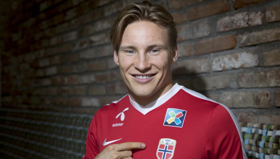 TELLER NED: Jonas Svensson gleder seg til tirsdagens kamp mot Slovakia. Foto: Terje Bendiksby / NTB scanpix