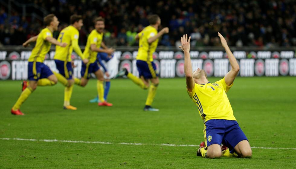 SENSASJON: Sverige er videre til VM på bekostning av fire ganger verdensmester Italia. Foto: Max Rossi / Reuters / NTB Scanpix