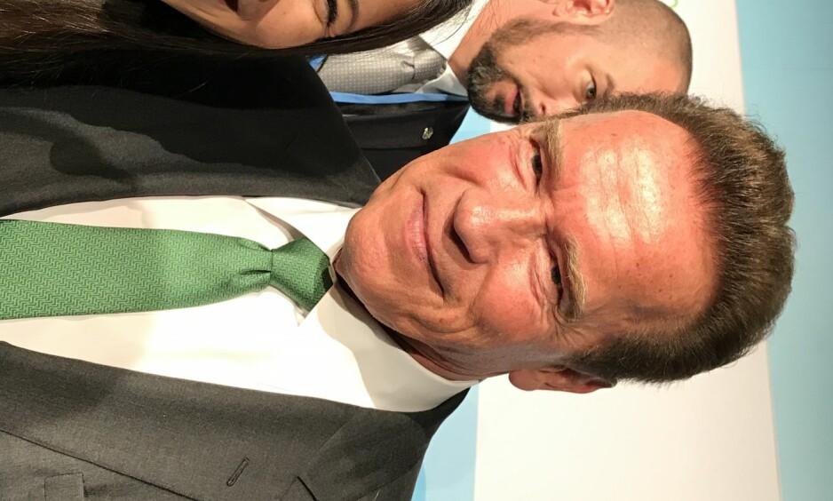 STOLT: Miljøbyråd Lan Marie Nguyen Berg (Mdg) møtte Arnold Schwarznegger på miljøkonferansen i Bonn, og etterpå delte hun et bilde av de to på Facebook, der hun skrev at hun var stolt. - Det var kjempegøy å møte ham, sier Nguyen Berg til Dgbladet. Foto: Kari-Anne Isaksen